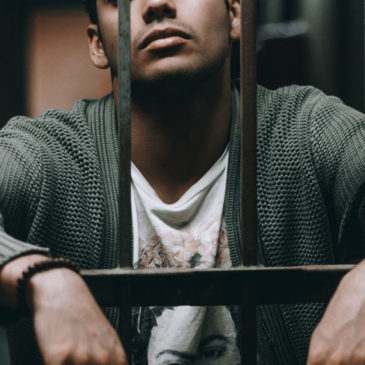 Can a Bail Bondsman Refuse to Bail a Defendant Out?